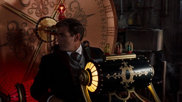 h g wells time machine vs movie time machine Original theatrical trailer for the 2002 film the time machine starring guy pearce, samantha mumba, mark addy, phyllida law, sienna guillory, alan young with orlando jones and jeremy irons.