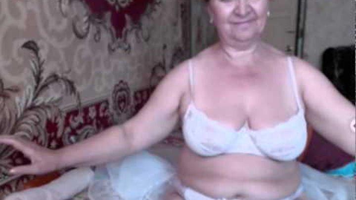 Снимает как порно зрелые фото бальзаковская передается в спальне