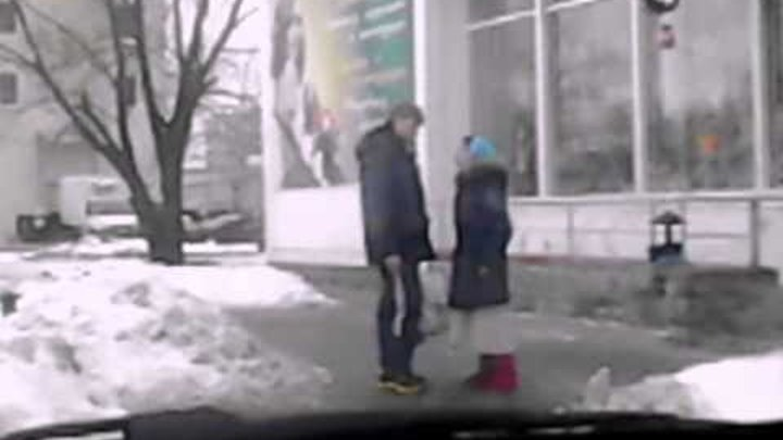 zhenshini-sosut-u-muzhika