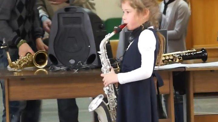 Не судите строго! Эти маленькие таланты ещё ученики.