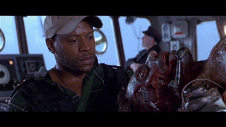 Вирус(ужасы, фантастика, боевик, триллер)1999