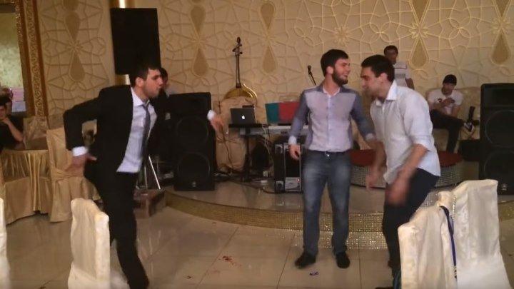Парни зажгли на свадьбе! Просто короли танцпола!!!