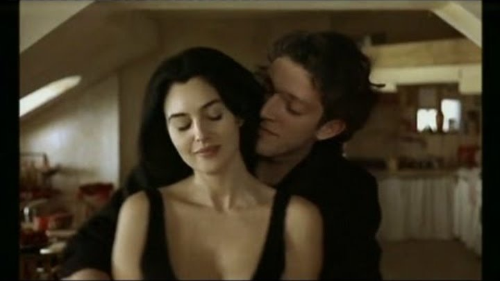 Monica Bellucci - Leonard Cohen - Dance Me To The End Of Love