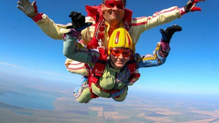 Прыжок с парашютом в тандеме 3000 м. Острые ощущения!!!!