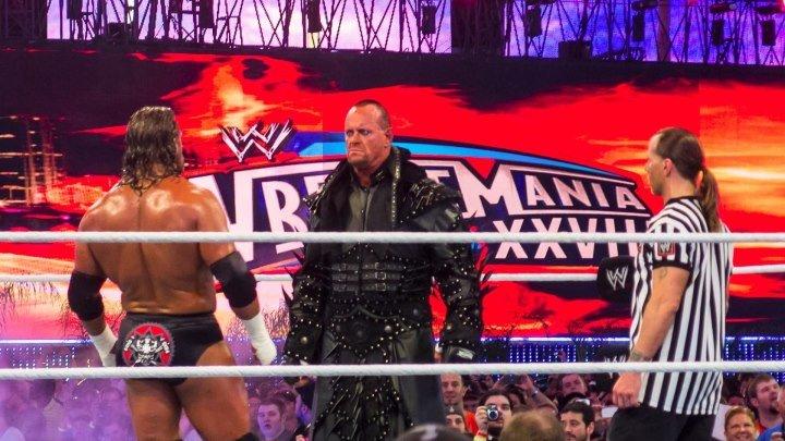 The Undertaker vs Triple H - WrestleMania XXVIII - Highlights HD