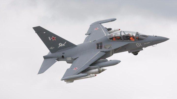 Пилотаж на Як-130 с подвешенным вооружением