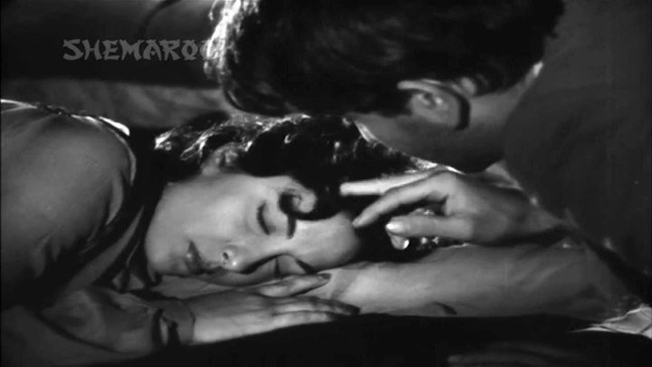 Индия.Бродяга (1951)_Aa Jaao Tadpte Hai Armaan Ab