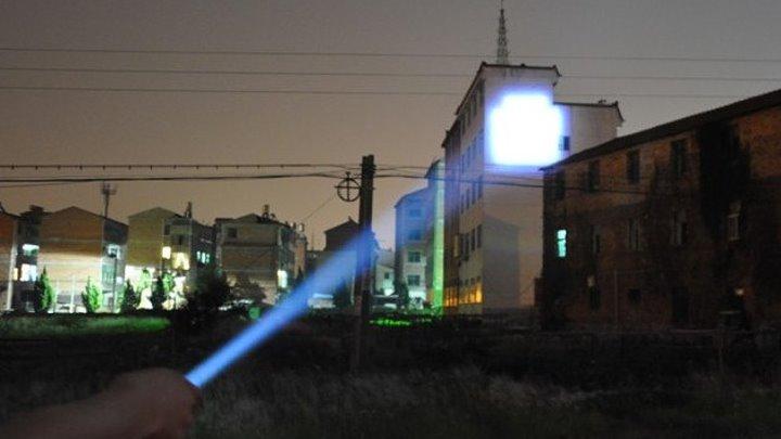Как сделать супер фонарь своими руками _ How to make a super flashlight