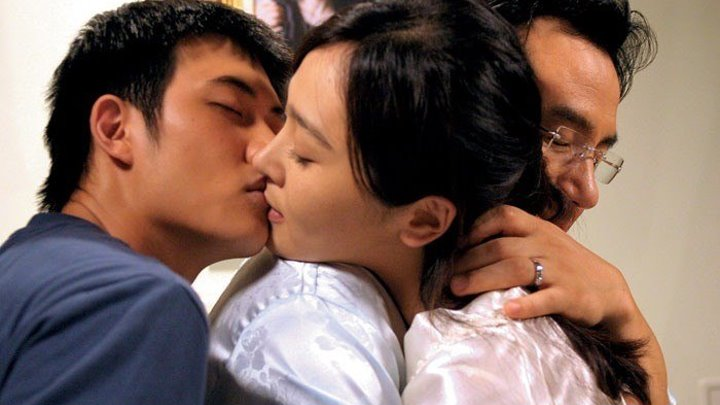 Пустой дом (Bin-jip) 2004 г. Жанр: драма, мелодрама, криминал.Страна:Корея Южная, Япония