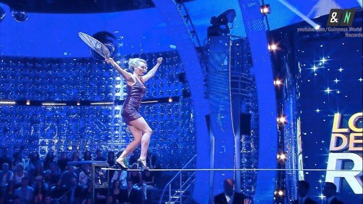Россиянка установила мировой рекорд по ходьбе на шпильках по канату