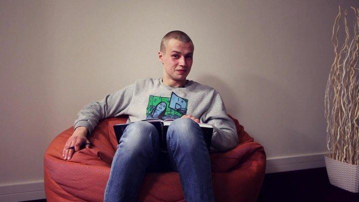 Иван Мулин читает народную легенду «Поездка домой» Максиму Б.