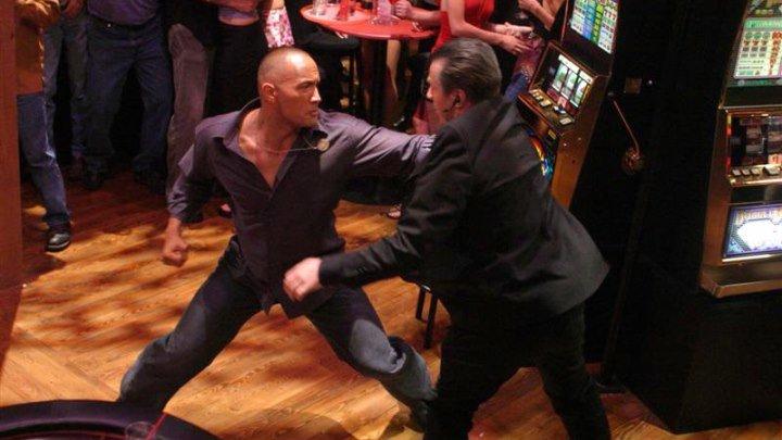 Широко шагая (2004) смотреть онлайн (боевик, криминал)