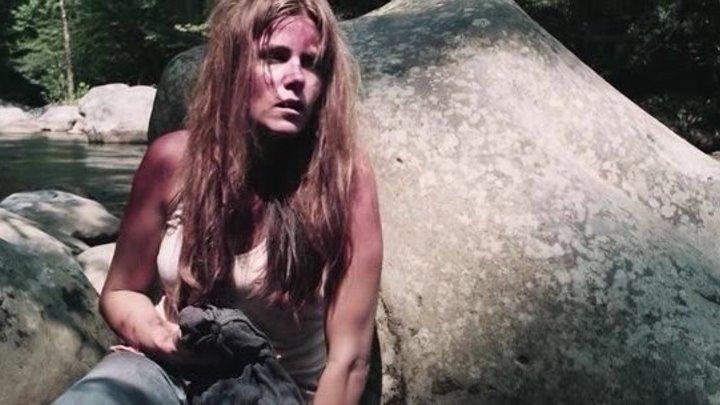 Девушка в лесу (2016)Триллер,драма,ужасы.
