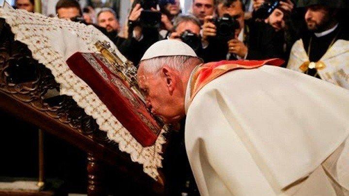 Папа Римский в Эчмиадзине (Армения)