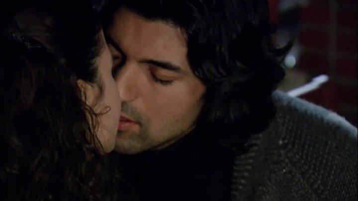 """Fatmagül & Kerim / Resumen 26 (sub español): """"Juntos en la cabaña"""" - ¡1° Beso!"""