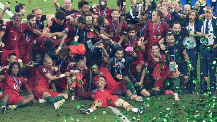 Португалия впервые стала чемпионом Европы по футболу (Португалия 1:0 Франция)