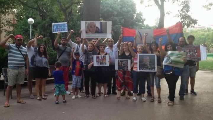 """Армяне Барселоны (Испания) поддерживают """"Сасна Црер"""""""