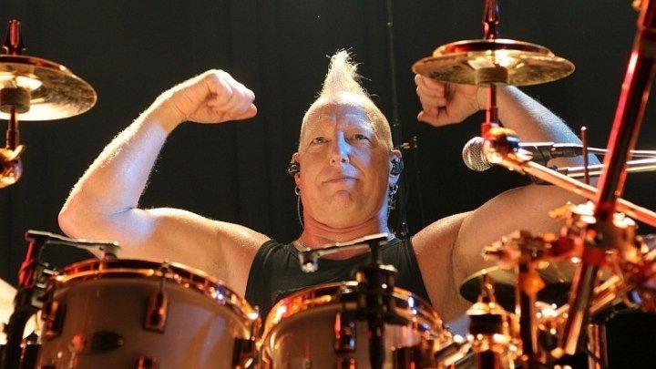 AXEL RUDI PELL - Drum Solo - Mike TERRANA - (DVD - LIVE ON FIRE - 2013 - Cologne, Essigfabrik - 18.12.2012) - (Johnny GIOELI) - BRAVEST FOX