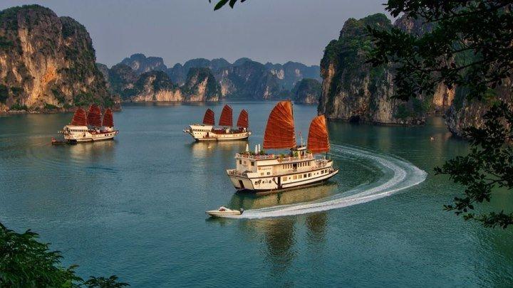 Вьетнам, бухта Халонг с высоты птичьего полета! Красивое видео! Горящие туры во вЬетнам на нашей странице! DJI - Enjoy an Aerial Spectacle of Vietnam's Ha Long Bay