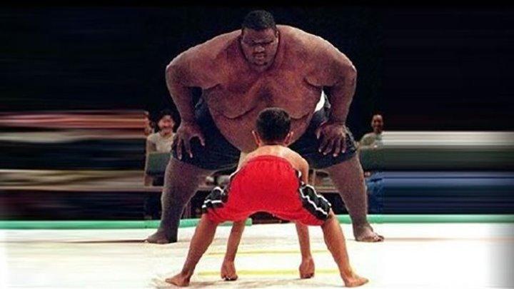 Огромный сумоист против мекого бойца ММА