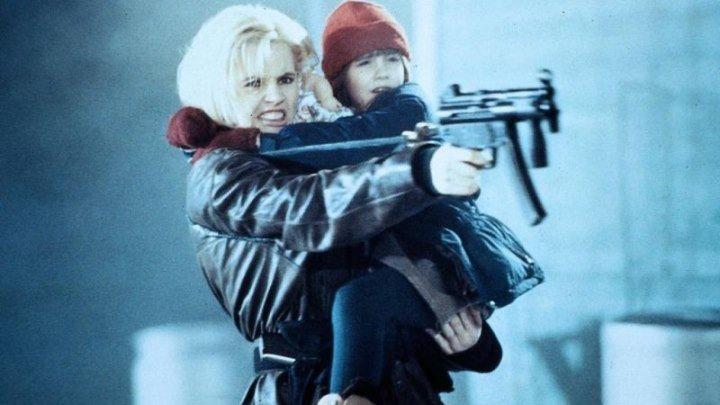 Долгий поцелуй на ночь HD(детектив)1996 (16+)