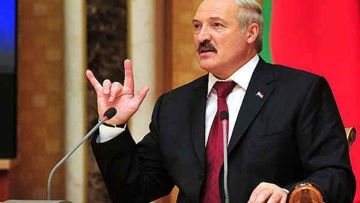 Лукашенко может снова изменить Конституцию