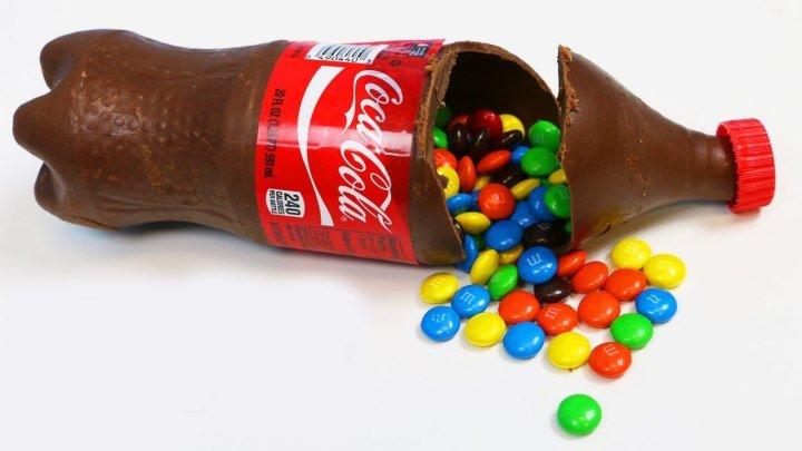 Շոկոլադե շիշ Coca-Cola լցված M&M's-ով
