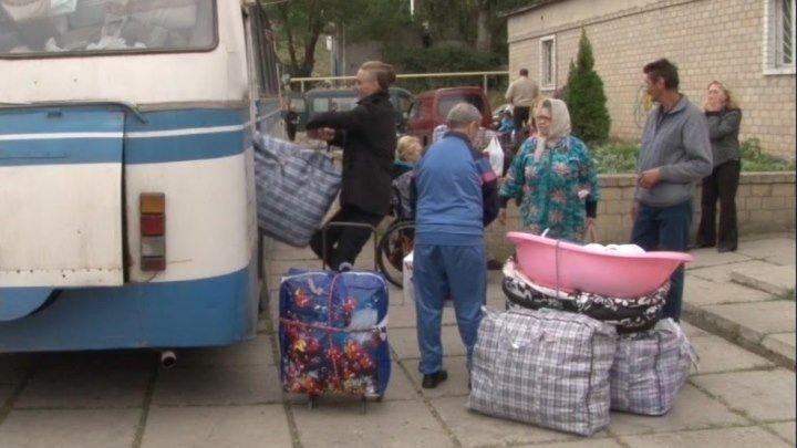 Беженцы возвращаются в ЛДНР из-за тарифов.