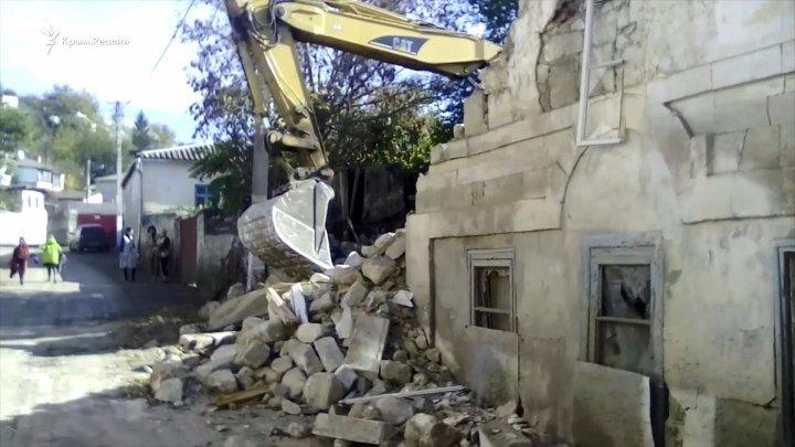 Разрушить нельзя забыть: как в Бахчисарае уничтожают историческое наследие