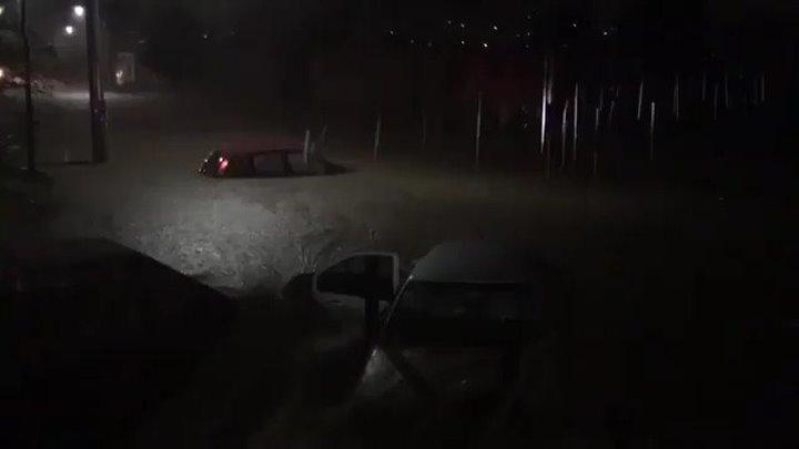 Мексика. Дождь. Штат Дуранго, город Виктория. 30 сентября 2016.