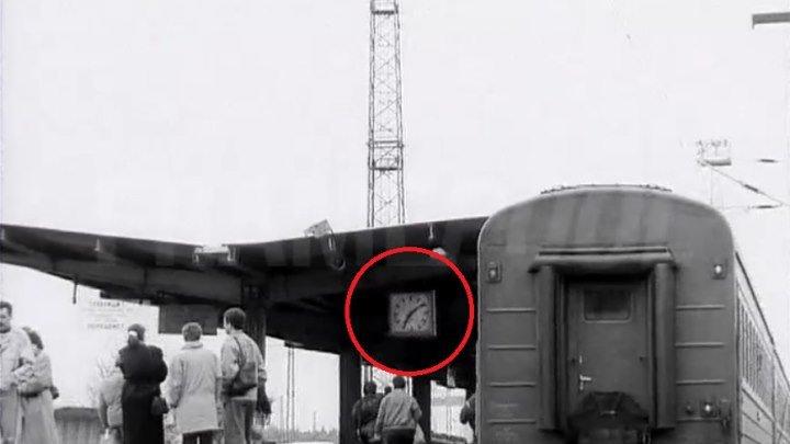 """Поезд №18 """"Вюнсдорф-Москва"""", отправление 19:10, весна 1994..."""
