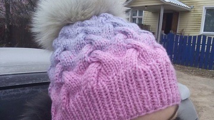 вязание шапки с косами и градиентом