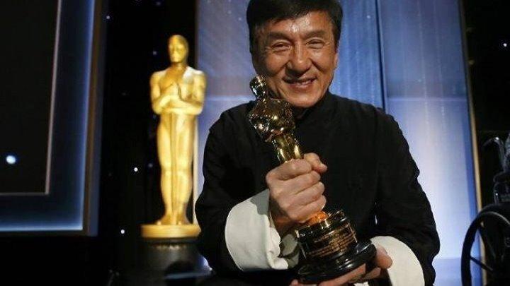 """Джеки Чан получил премию """"Оскар""""."""
