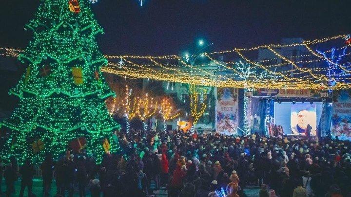 Рождественский мега-концерт в Бельцах: звезды эстрады на главной площади.