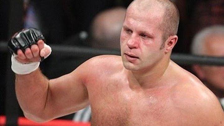 Федор Емельяненко вырубил Супер Тяжеловеса.
