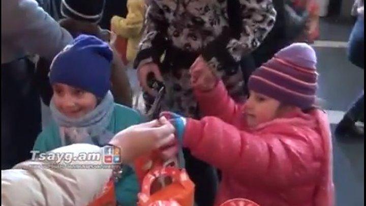 """Гюмрийский """"Ширак"""" подоготовил более 10 тысяч новогодних подарков для детей"""