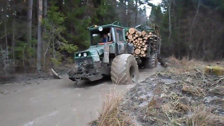 Лесовоз John Deere -ДРУЗЬЯ, НЕ ЗАБЫВАЙТЕ ОЦЕНИВАТЬ НАШЕ ВИДЕО-