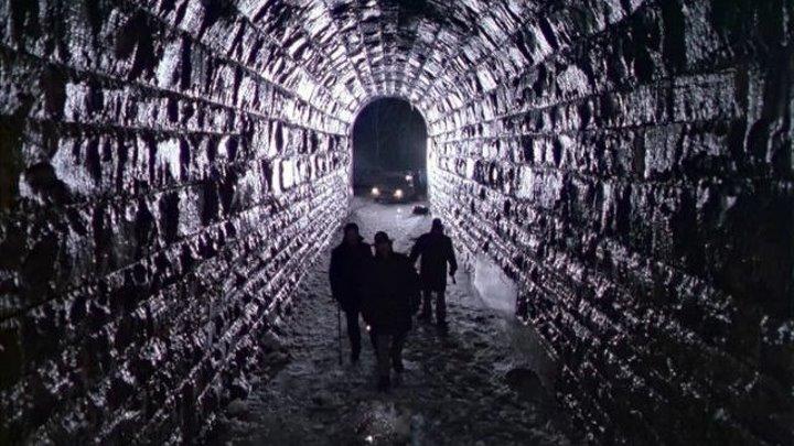Мертвая зона (мистический триллер Дэвида Кроненберга по роману Стивена Кинга с Кристофером Уокеном, Брук Адамс, Мартином Шином) | США, 1983