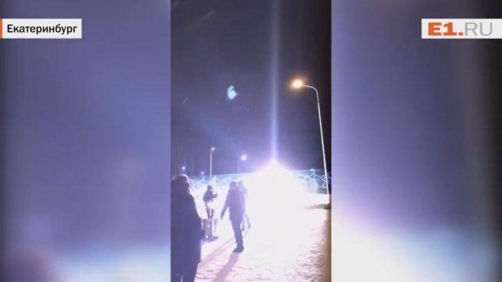 БУДЬТЕ ОСТОРОЖНЫ!!! На Краснолесье парень зажёг без фитиля фейерверк-ракету