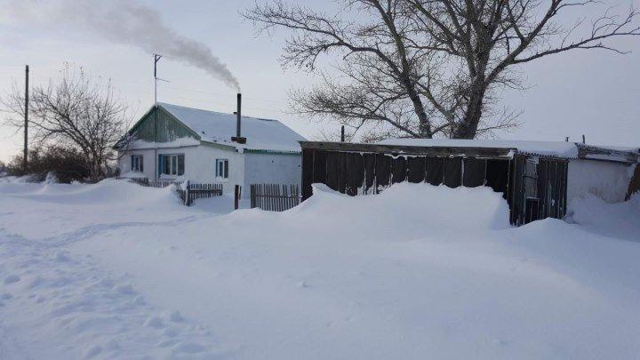 Метут снега .../ с.Ленинское Есильский район .