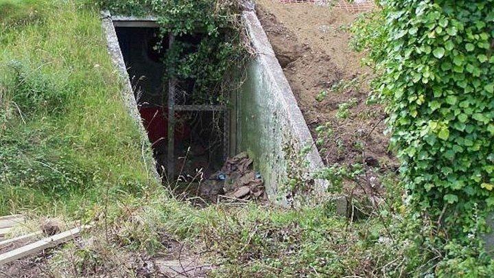 Безумная купила бункер времен Второй мировой войны... То, что она с ним сделала, поражает
