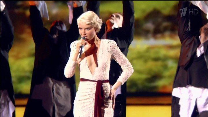 Полина Гагарина - Спектакль окончен (Live,Золотой Граммофон 2012) 03.01.2013