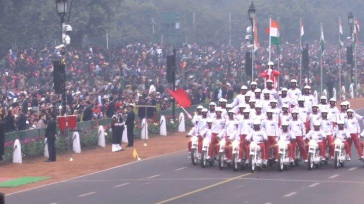 Необычное мотошоу на военном параде в Индии