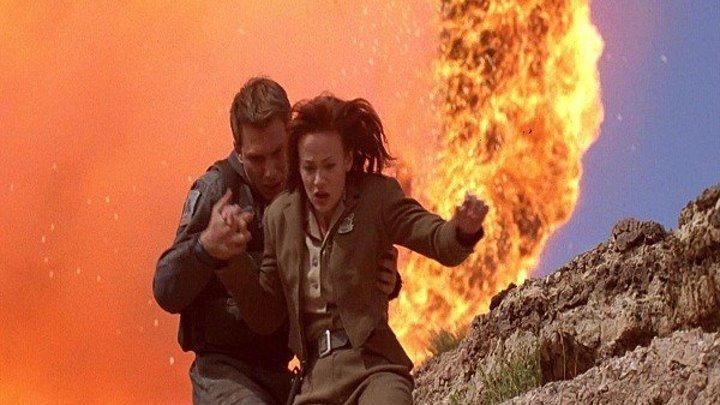 Сломанная Стрела (1996) боевик