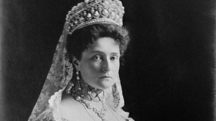 Блеск и горькие слезы российских императриц Королевская дочь (Александра Федоровна) 2016