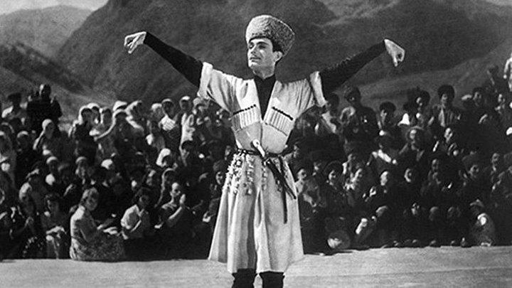 Великолепная Лезгинка в Исполнении Махмуда Эсамбаева.