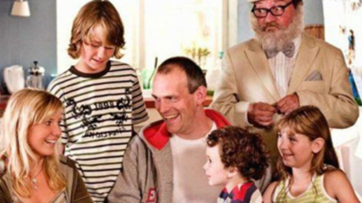 кино семейное. спасти папу - отец четверых.( 2006 комедия)