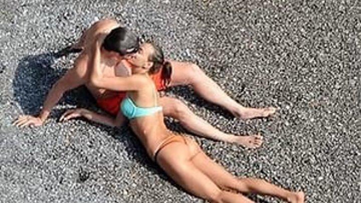 Познакомился на пляже с девушкой. Жена спалила...