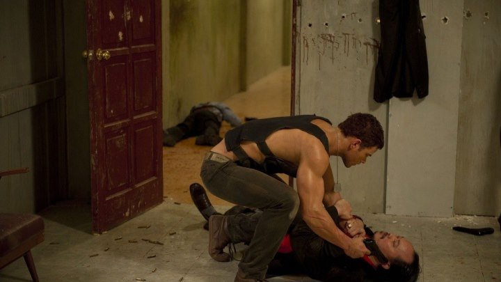 Пылающий остров (2013) боевик, триллер