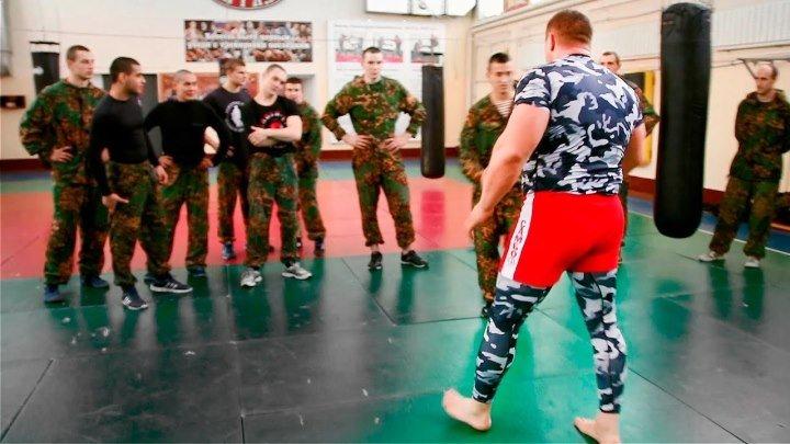 Боец MMA против 9 бойцов спецназа!